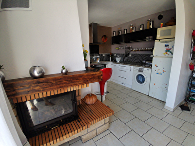 BEAU REZ-DE-JARDIN AVEC GARAGE ET PLACE DE PARKING PRIVATIVE 5/10